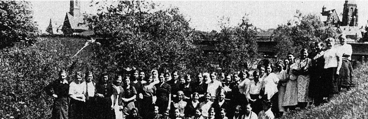 Banner WdE-Station B Banner Zwangsarbeiterlager auf der Lahninsel von Leitz Propagandafotos