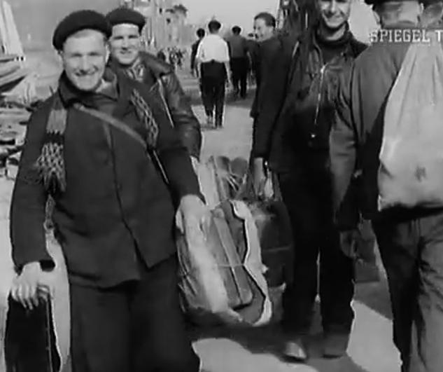 Bild Befreite Zwangsarbeiter am 29.03.1945