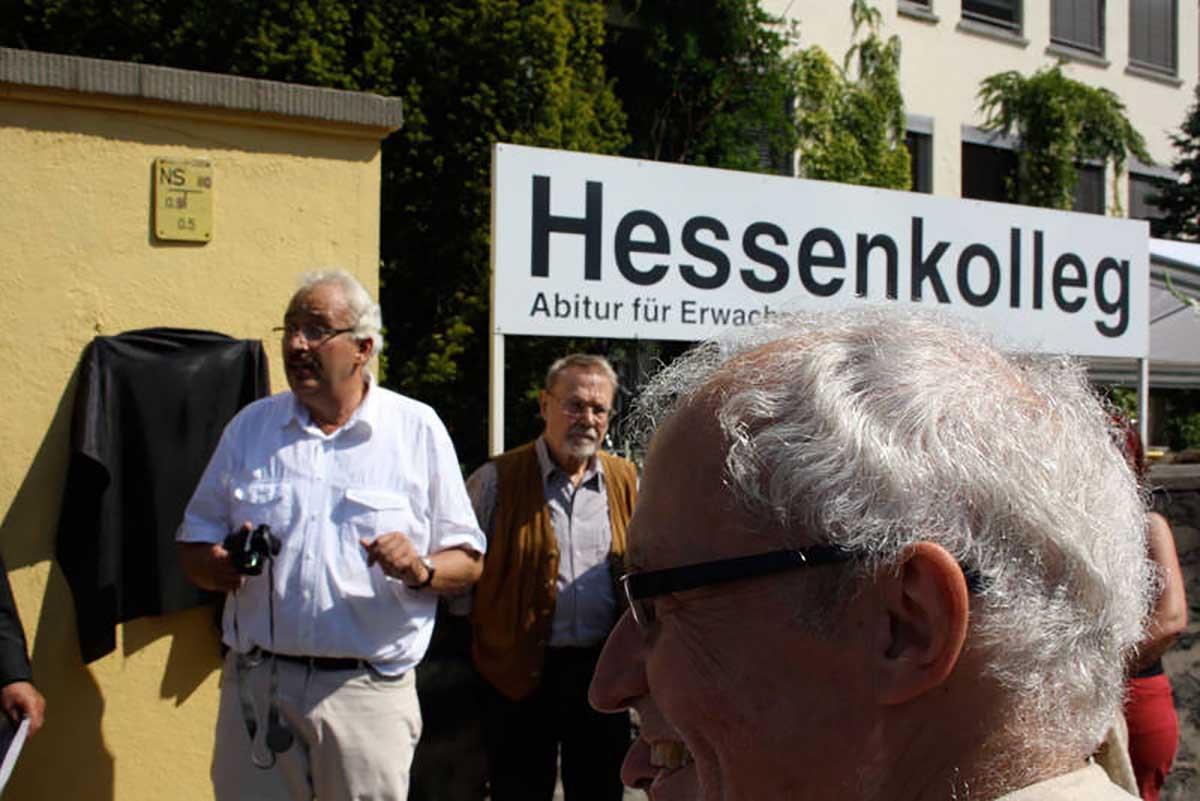 Gedenktafel für Zwangsarbeiter Tomasz Kiryllow am Hessenkolleg