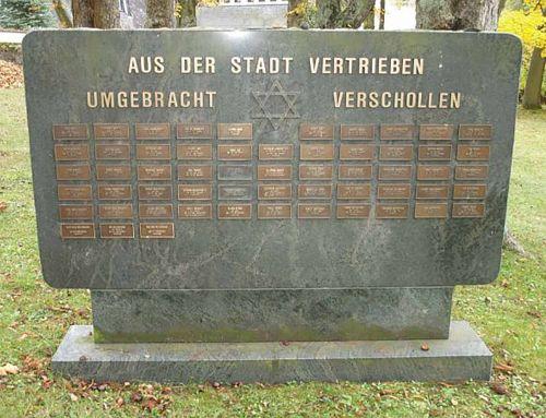 Gedenkstein im neuen jüdischen Friedhof