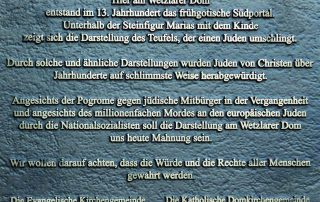 08 WdE-Station Antisemitismus Gedenkplatte am Dom
