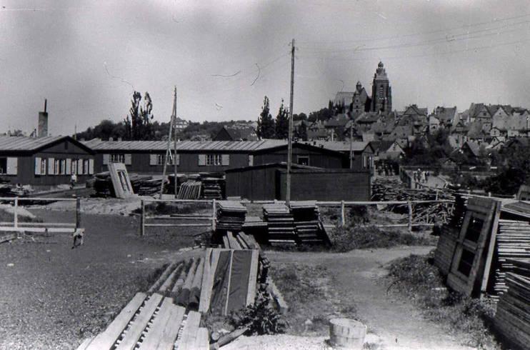 Errichtung der Leitzlager auf der Lahninsel