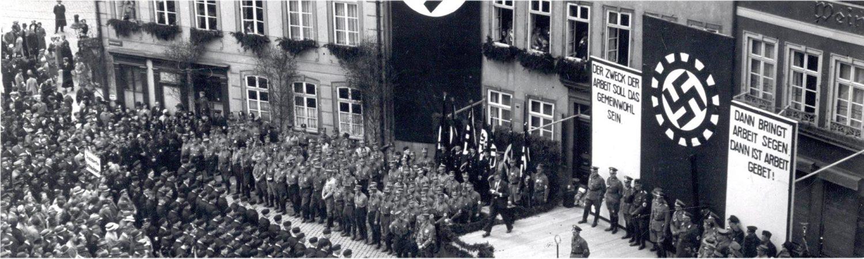 Banner WdE-Leitfragen 3 1. Mai 1934 Domplatz