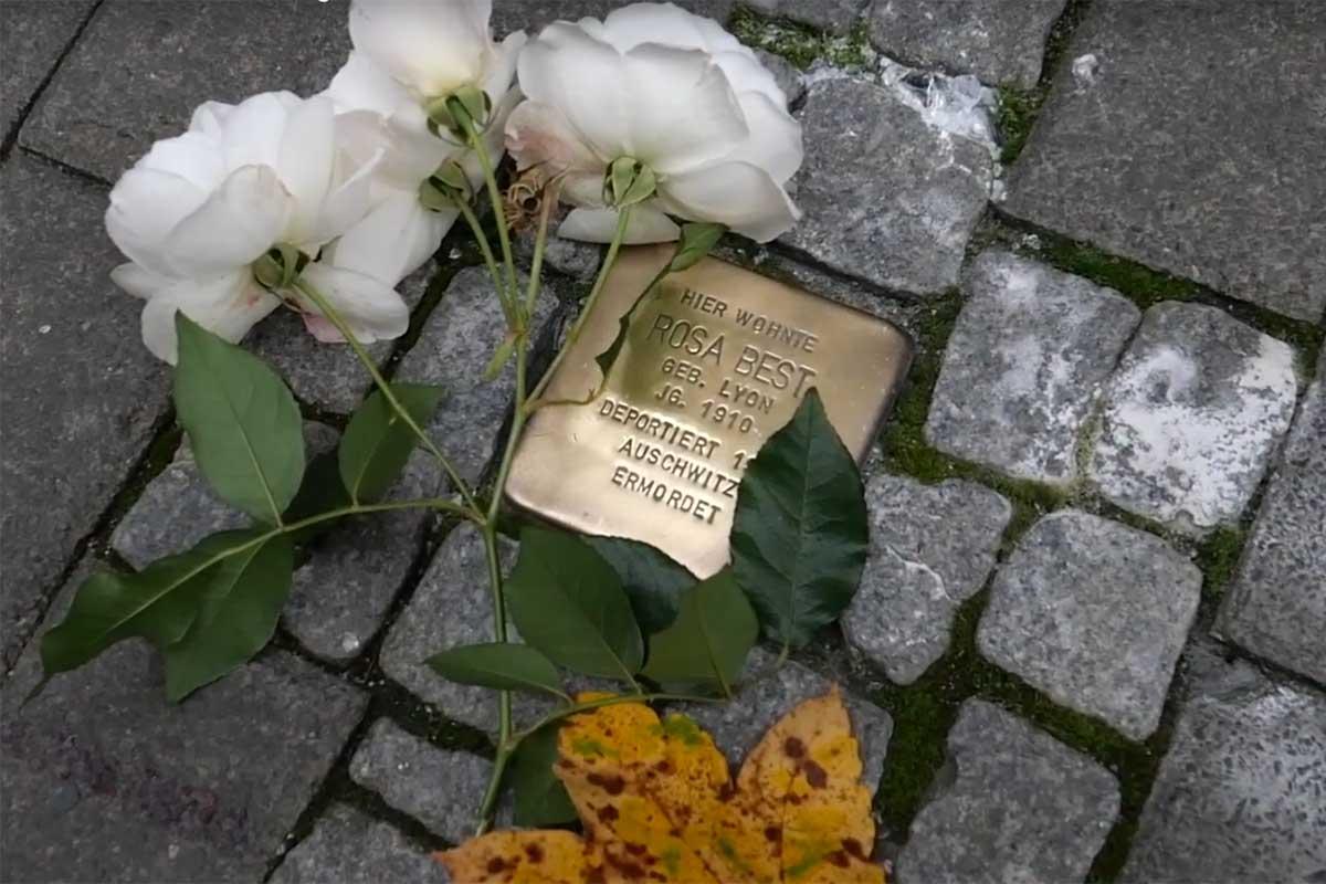 Reichspogrome 2020 geschmückter Stolperstein