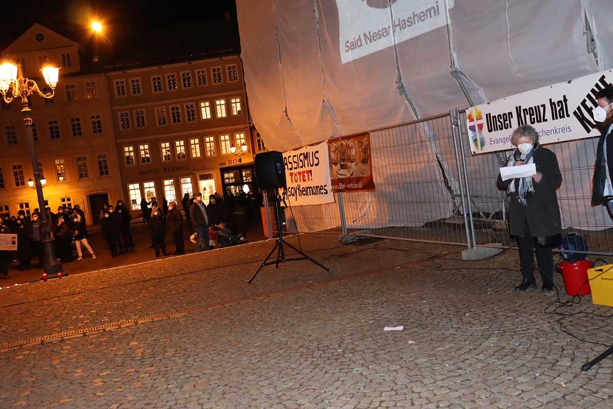 Mahnwache Hanau 19.02.2021 WZ Domplatz © Mohammad Youssef und Heiner Jung