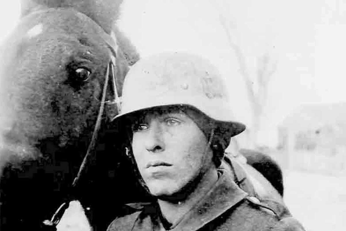 Fritz Donsbach mit Pferd Teaser