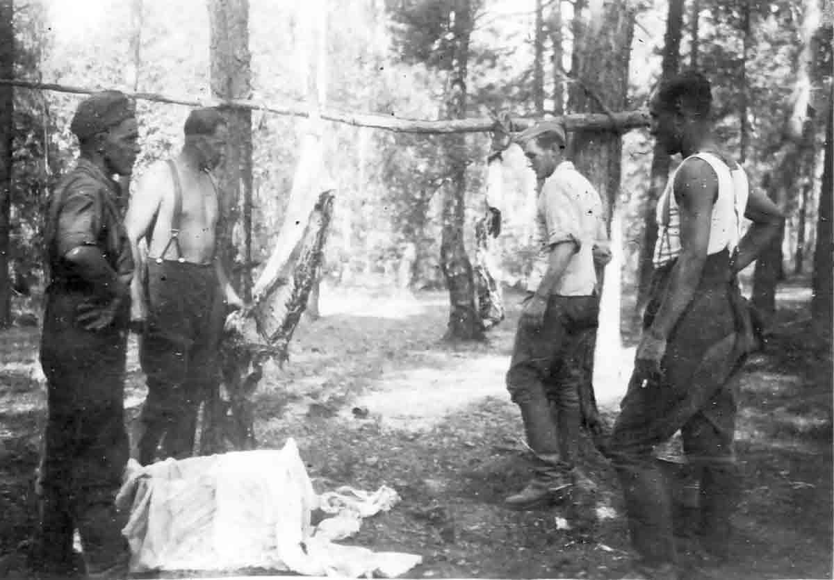 Donsbach Juli 1941 Viehschlachtung im Wald von Rogatjew