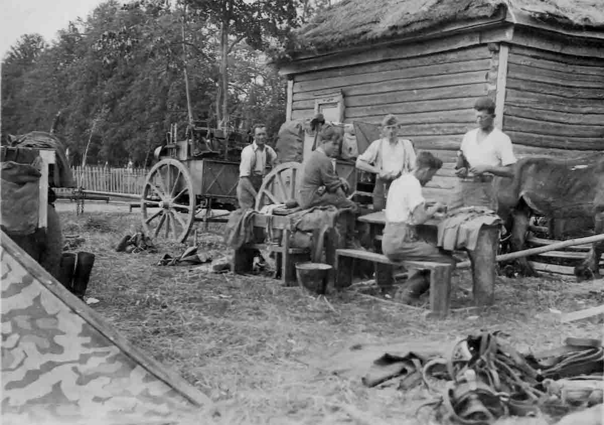 Donsbach 01,07,1941 Rast in Krasnowje Dwojir