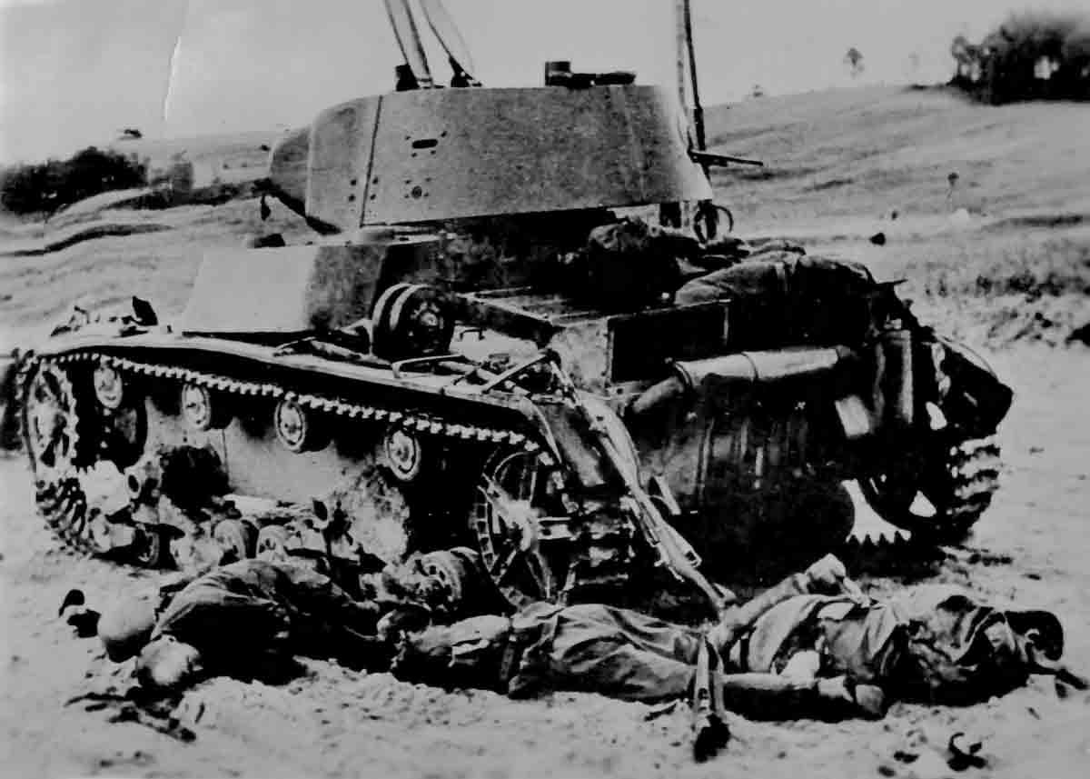 Donsbach Oktober 1941 Rotarmee-Panzer alter Bauart