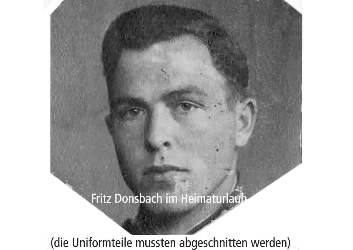 Donsbach Januar 1942 Urlaubsfoto Uniformteile mussen abgeschnitten werden