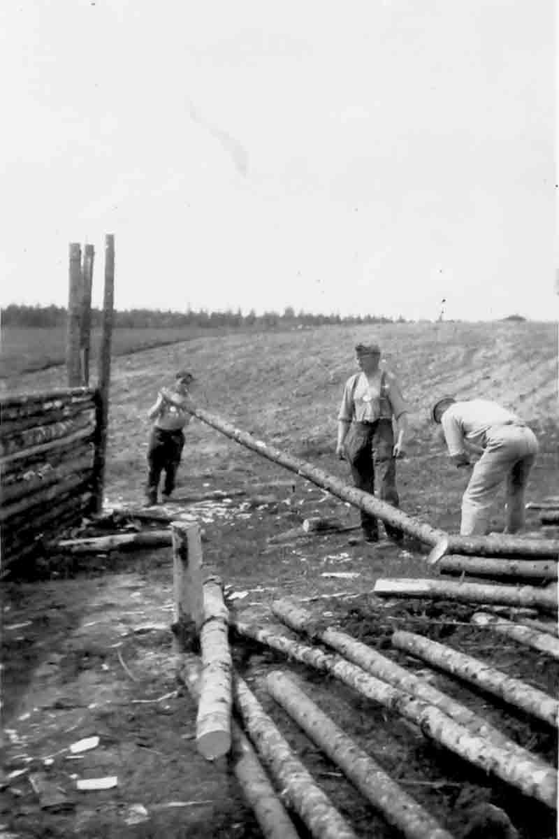 Donsbach Winter 1943 Bau eines Schutzstandes