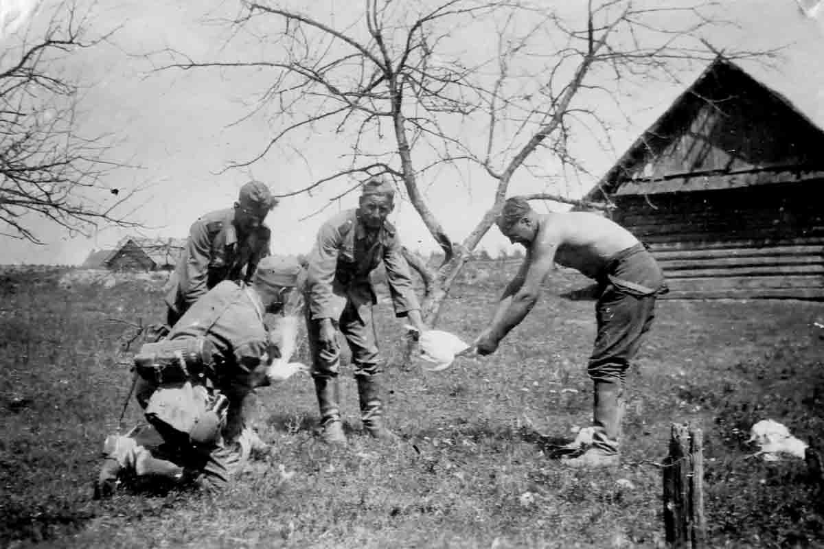 Donsbach April 1943 Hühnerschlachtung
