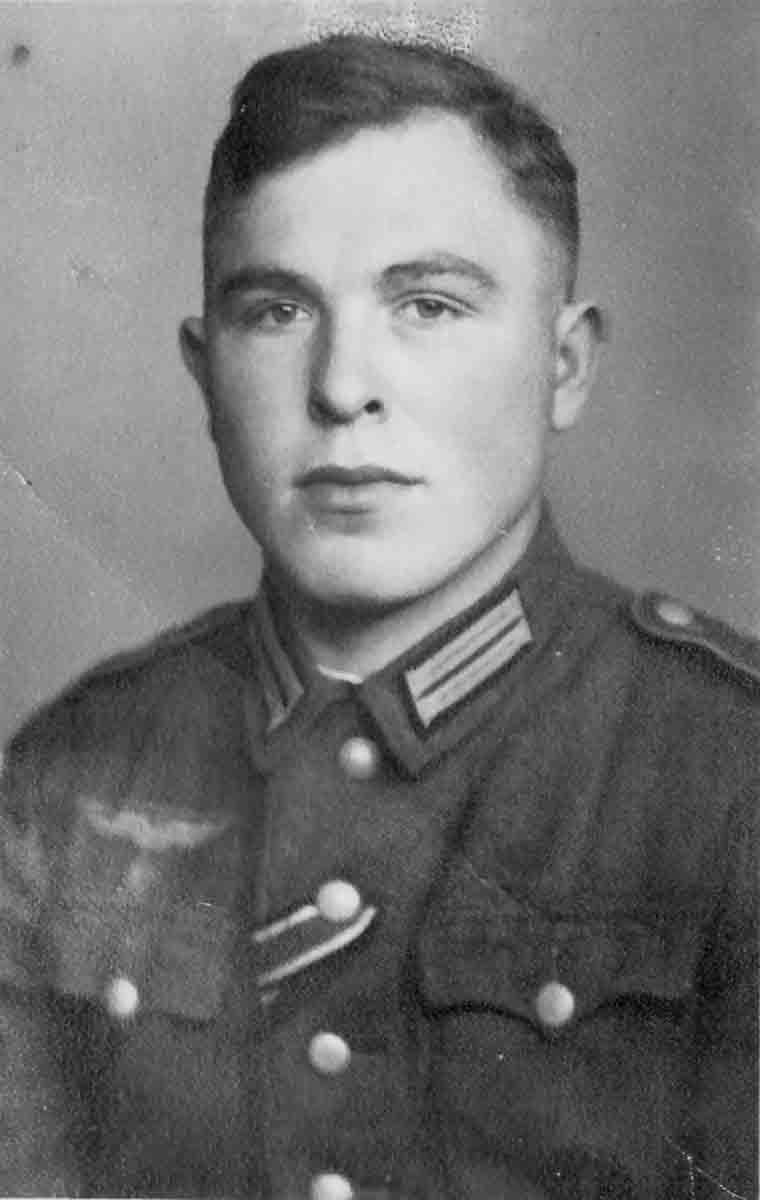 Donsbach Porträtbild Urlaub November 1943