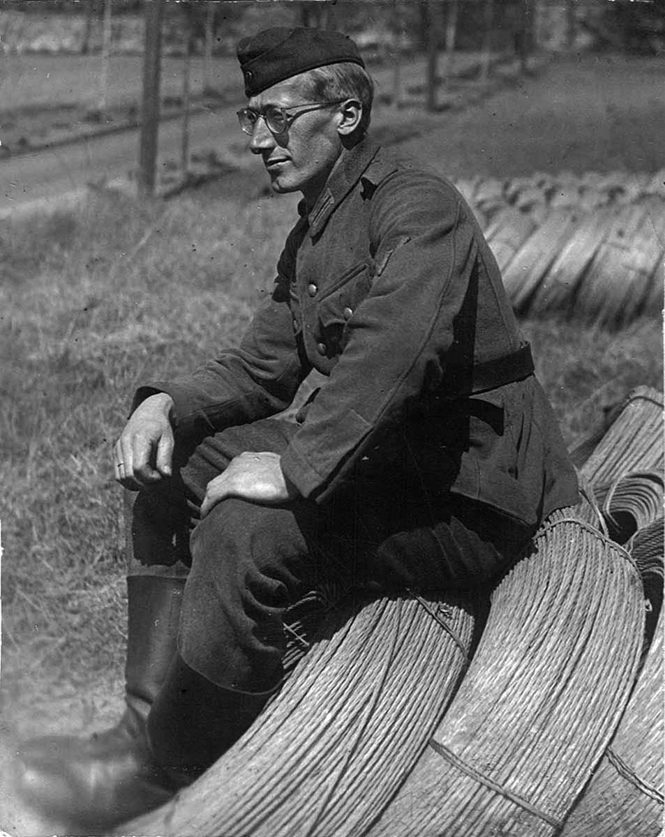 Waldemar Lesser auf Drahtspule Fernmeldetrupp Feldpostbriefe