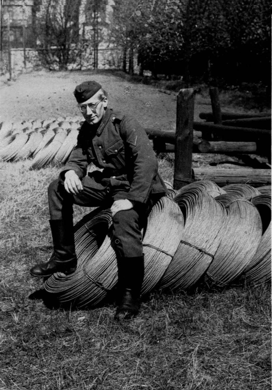 Waldemar Lesser Bild Funkdraht in Kaserne Feldpostbriefe