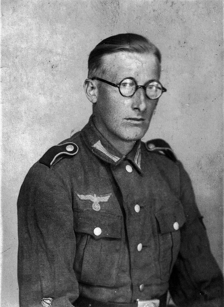 Waldemar Lesser Porträtbild in Uniform Feldpostbriefe